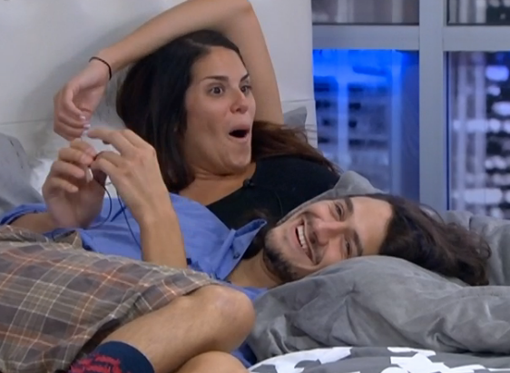 bb15-amanda-mccrae-laughing