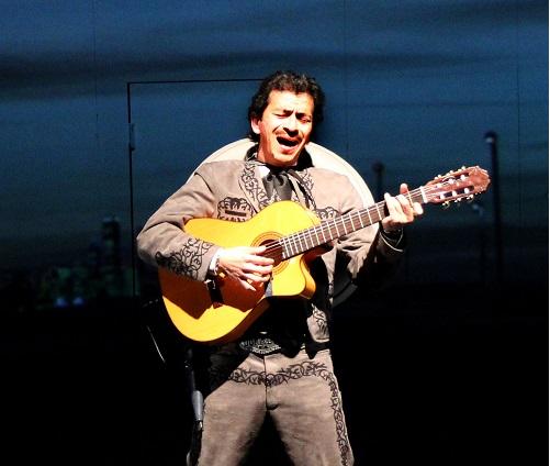 Hero-El-Jinete-singing-Copy